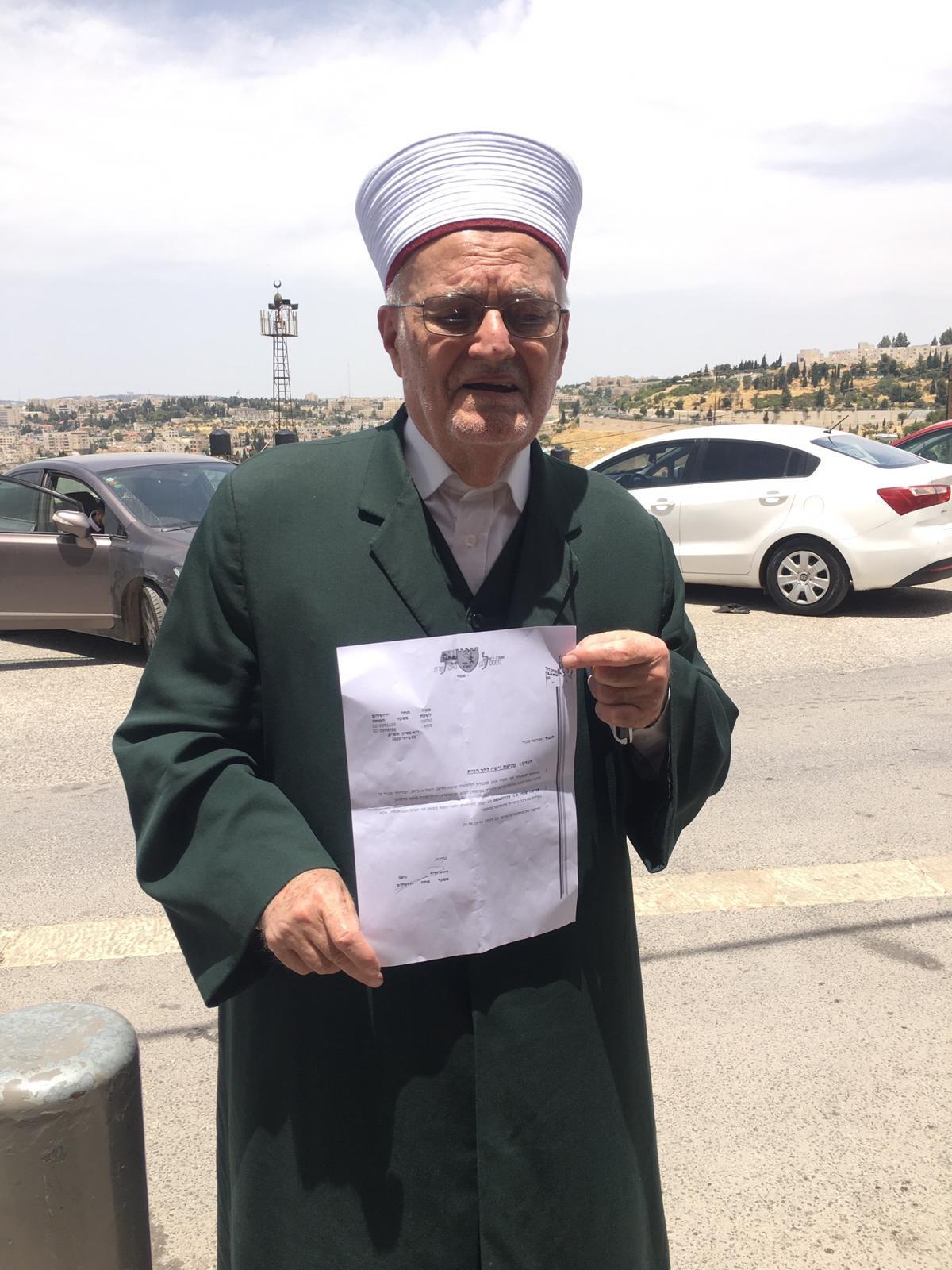 القدس: ابعاد الشيخ عكرمة صبري عن الاقصى لمدة 4 اشهر-0