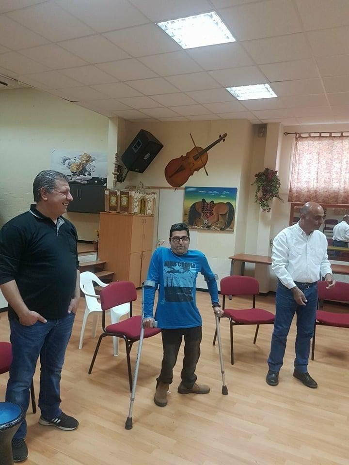 ممثلين على خشبة مسرح أكيم في كفر ياسيف