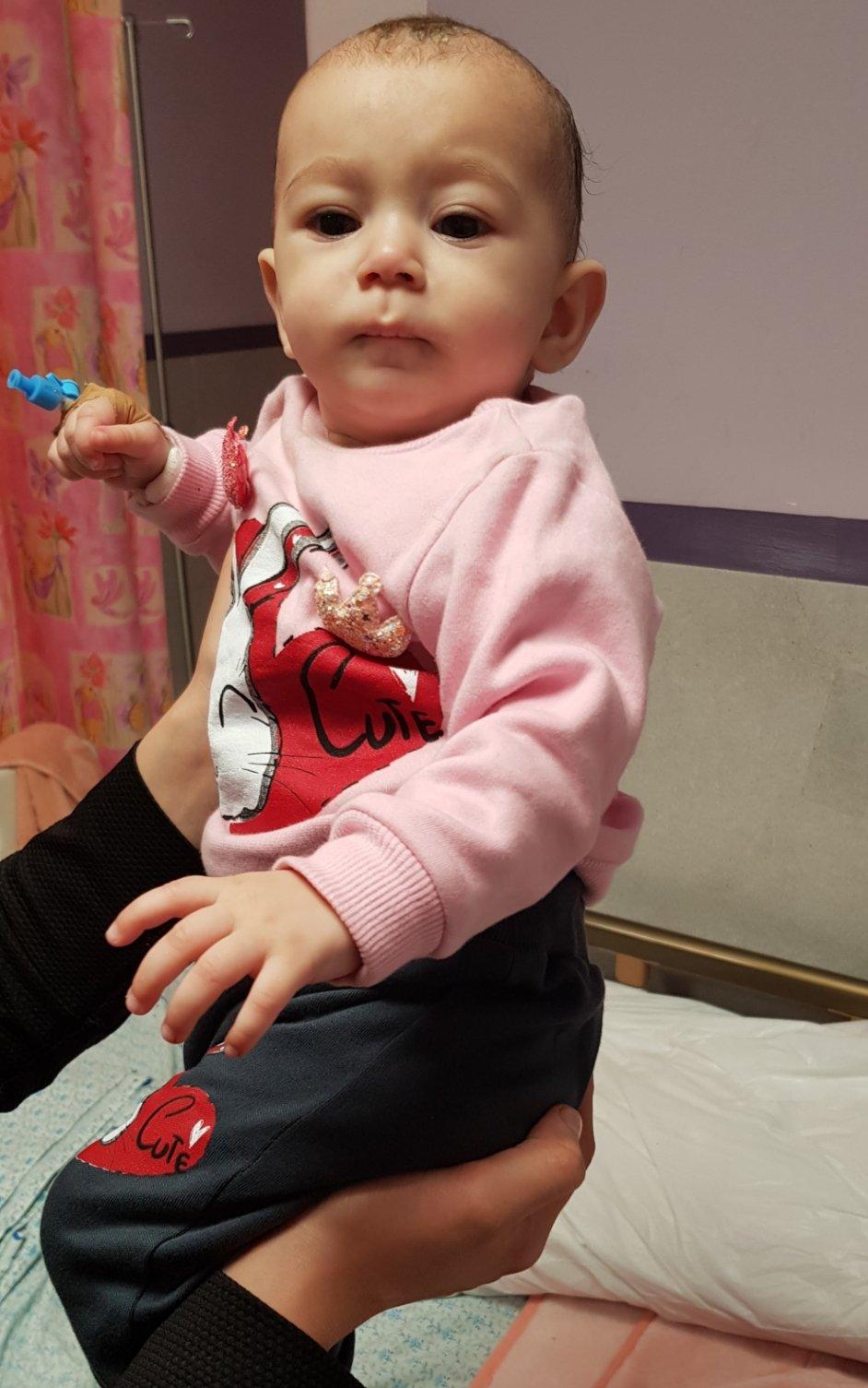 جراحة قلب الأطفال في المقاصد تنجح بإغلاق ثقب بين البطينين في قلب رضيعة بواسطة القسطرة