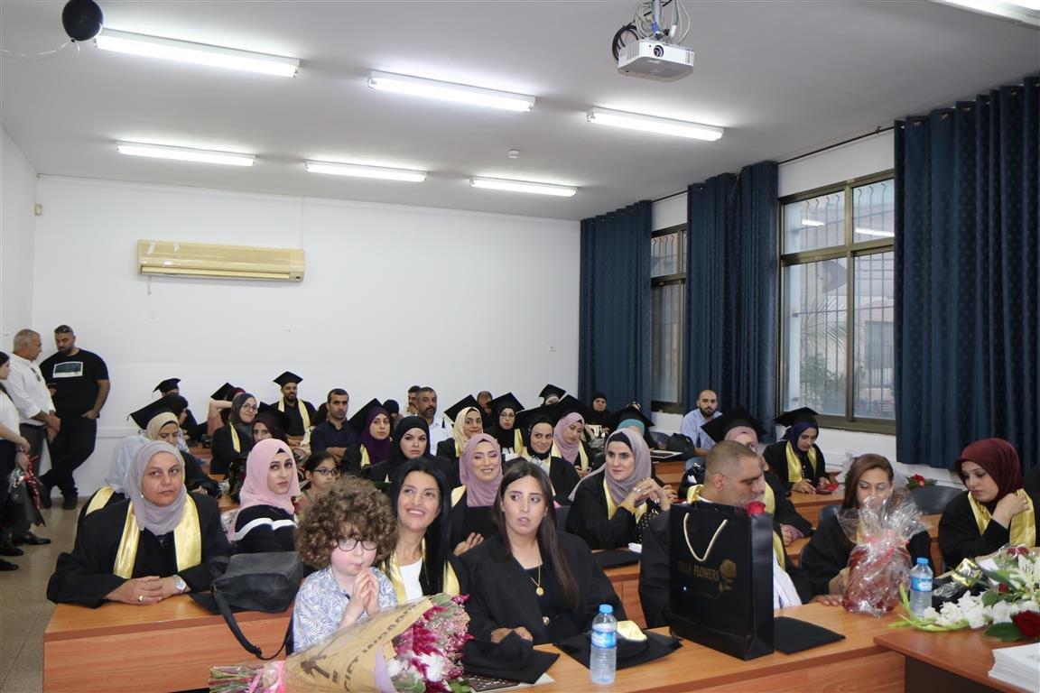 أكاديمية القاسمي تخرّج أكثر من ألفٍ من طلبتها في حفل مهيب-4