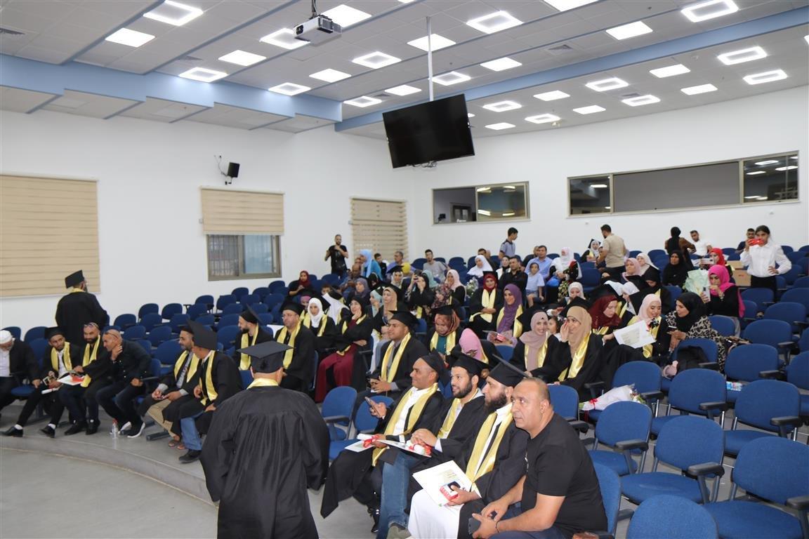 أكاديمية القاسمي تخرّج أكثر من ألفٍ من طلبتها في حفل مهيب-6