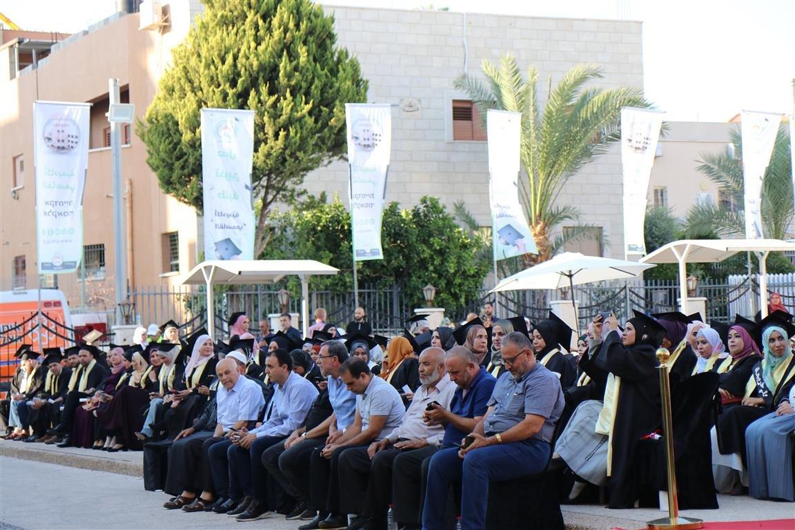 أكاديمية القاسمي تخرّج أكثر من ألفٍ من طلبتها في حفل مهيب-8
