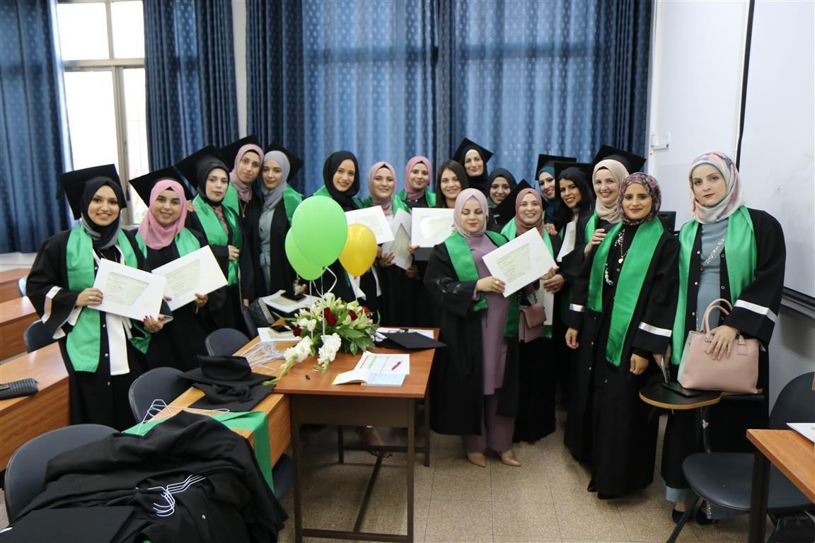 أكاديمية القاسمي تخرّج أكثر من ألفٍ من طلبتها في حفل مهيب-10