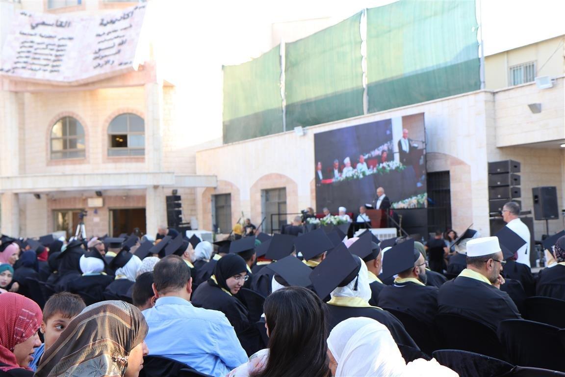 أكاديمية القاسمي تخرّج أكثر من ألفٍ من طلبتها في حفل مهيب-15