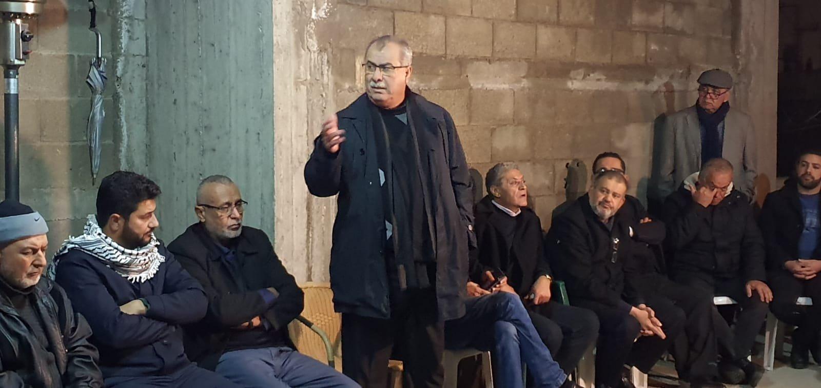 اجتماع طارئ للمتابعة والبلدية واللجان الشعبية يدعو لأكبر حشد لمواجهة خطر تدمير ثلاثة بيوت