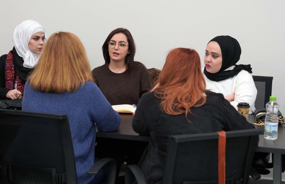 لقاء أكاديمي بين طلبة جامعتي العربية الأمريكية وجورج ماسون من واشنطن يستضيف الدكتور صائب عريقات