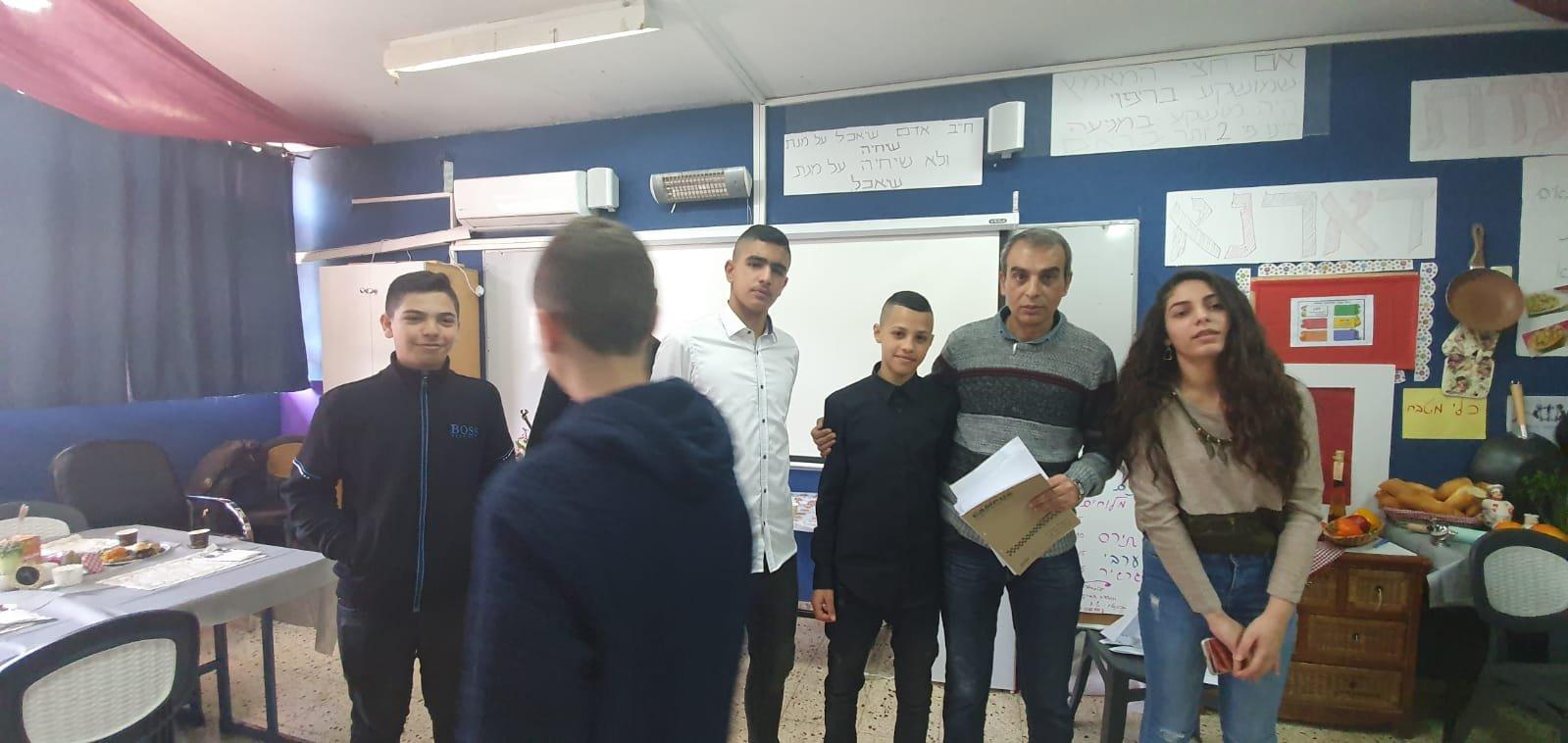 عرس تربويّ نسوري للُّغة العبريَّة في مَدرسة وادي النُّسور الإعداديَّة – أم الفَحم