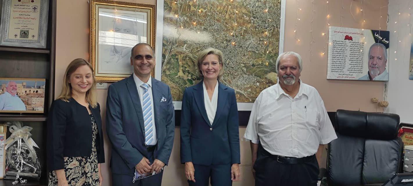 سفيرة فنلندا في زيارة رسمية الى شفاعمرو-0