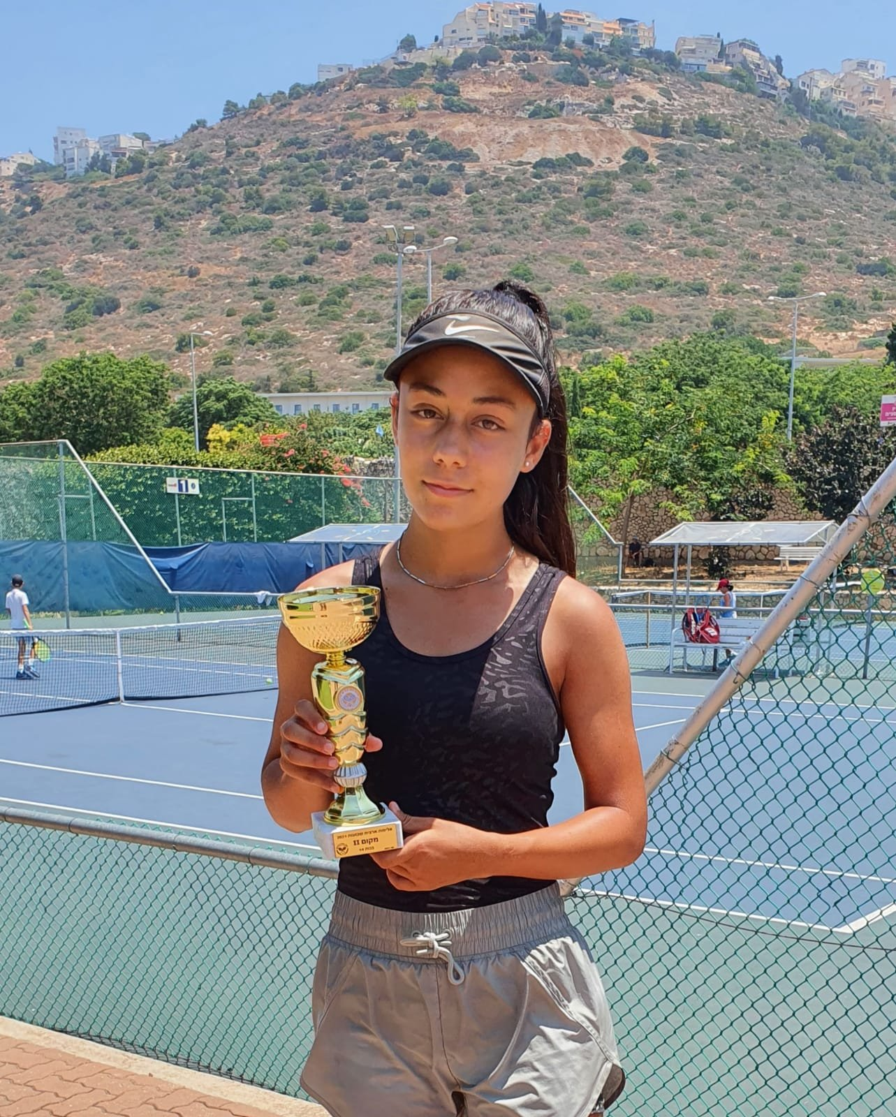 بطلة التنس الأرضي كاريمان بقاعي تواصل التحليق وتفوز بالمرتبة الثانية قطريًا-0