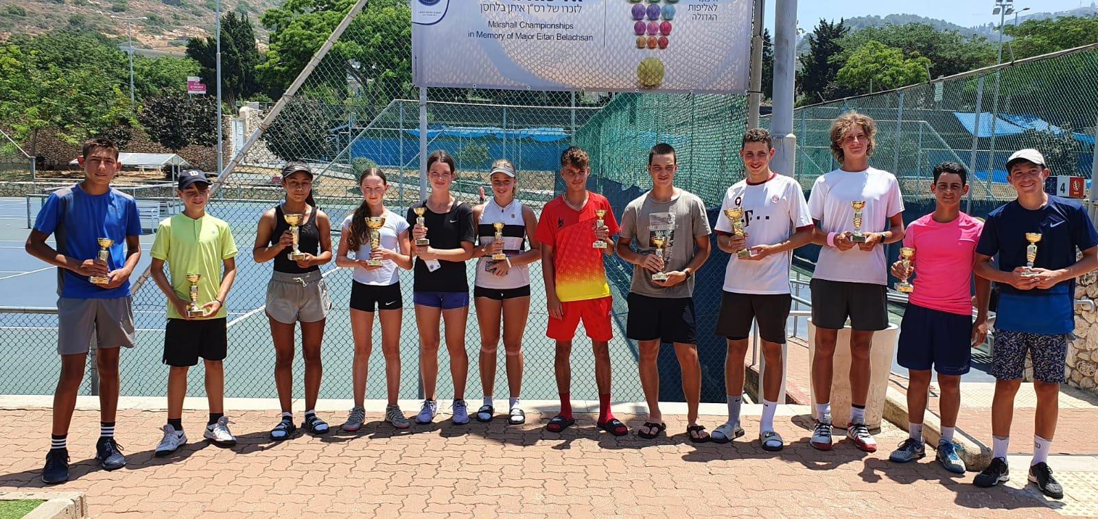 بطلة التنس الأرضي كاريمان بقاعي تواصل التحليق وتفوز بالمرتبة الثانية قطريًا-2