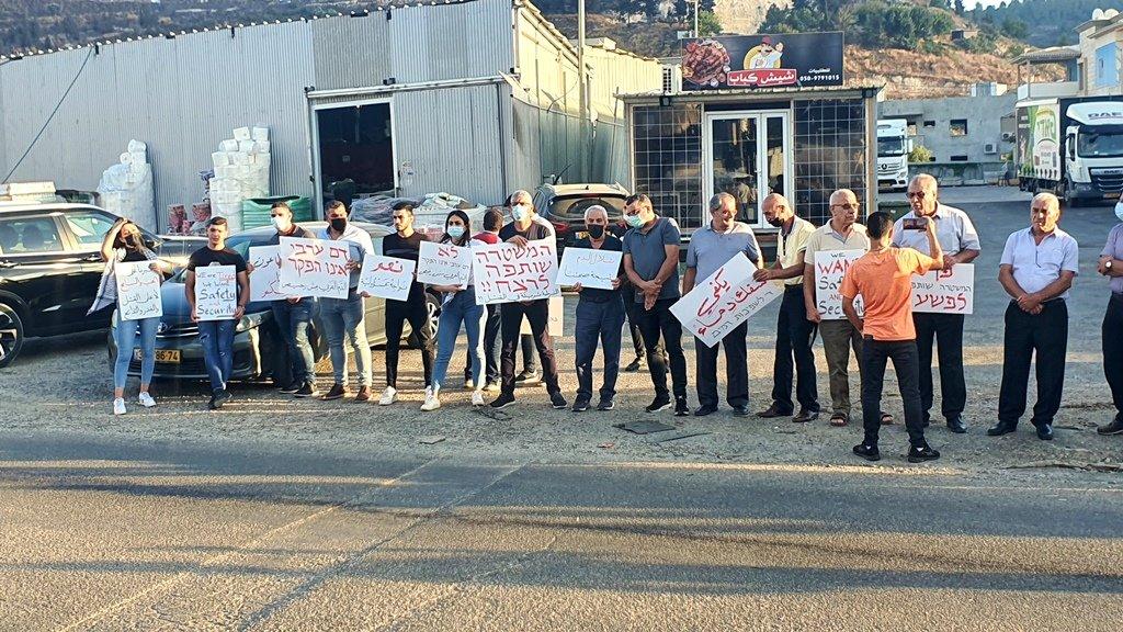 مجدالكروم: العشرات يتظاهرون منددين بالعنف-7