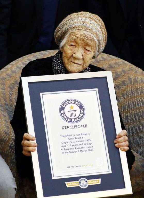 بـ 117 عاماً.. أكبر معمّرة في العالم تحتفل بعيدها!