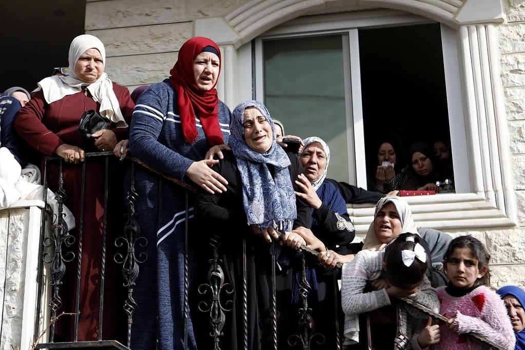 29 إصابة خلال مواجهات مع قوات الاحتلال في بلدة حلحول-2