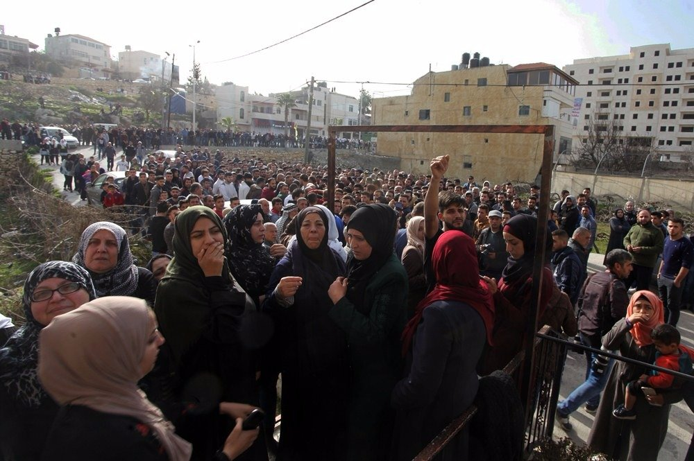 29 إصابة خلال مواجهات مع قوات الاحتلال في بلدة حلحول-5