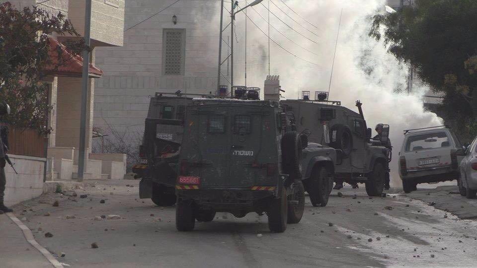 29 إصابة خلال مواجهات مع قوات الاحتلال في بلدة حلحول-6