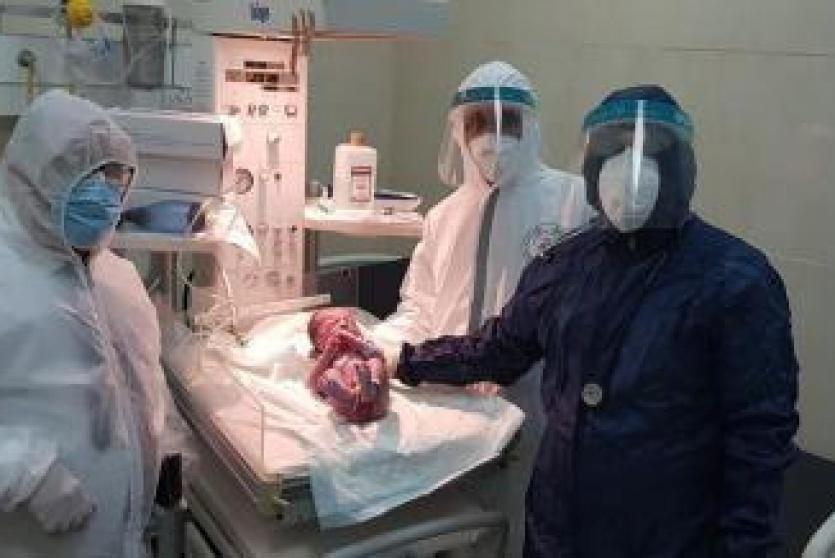 صورة.. اول مولود فلسطيني من ام مصابة بكورونا
