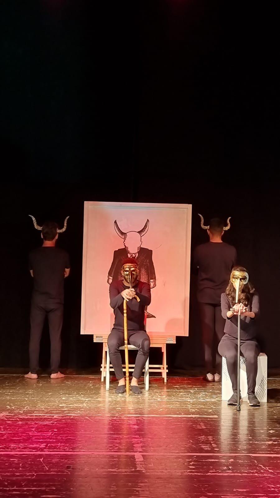 أكاديمية فرينج الناصرة تحتفل هذا الأسبوع بتخريج الفوج الثاني من طلاب فرع التمثيل الجدد وعرض مسرحيتهم الأولى-12