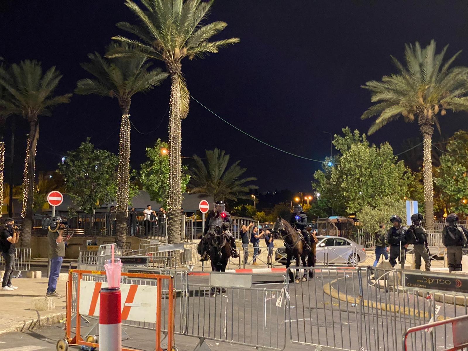 مواجهات مع الشرطة واعتقال 3 مواطنين في باب العامود بالقدس-3