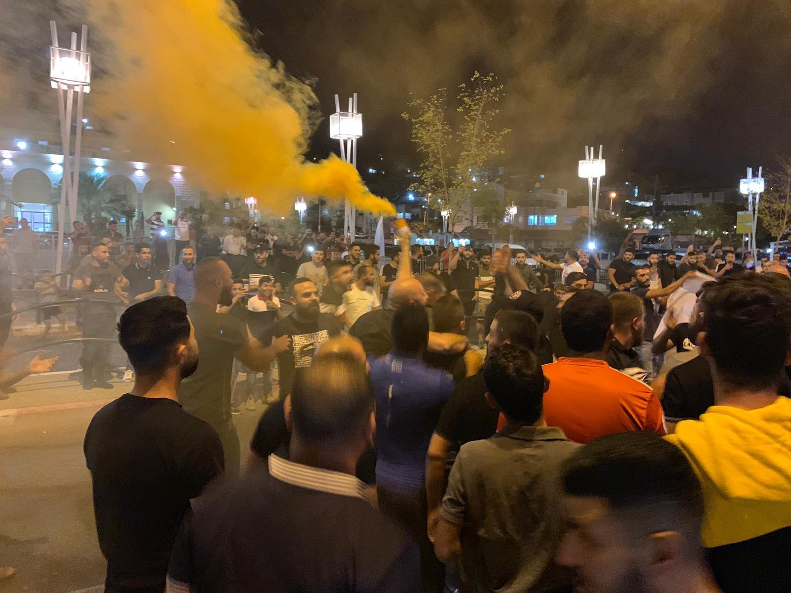 الجمهور السخنيني يتظاهر ويطالب باقالة ادارة الفريق