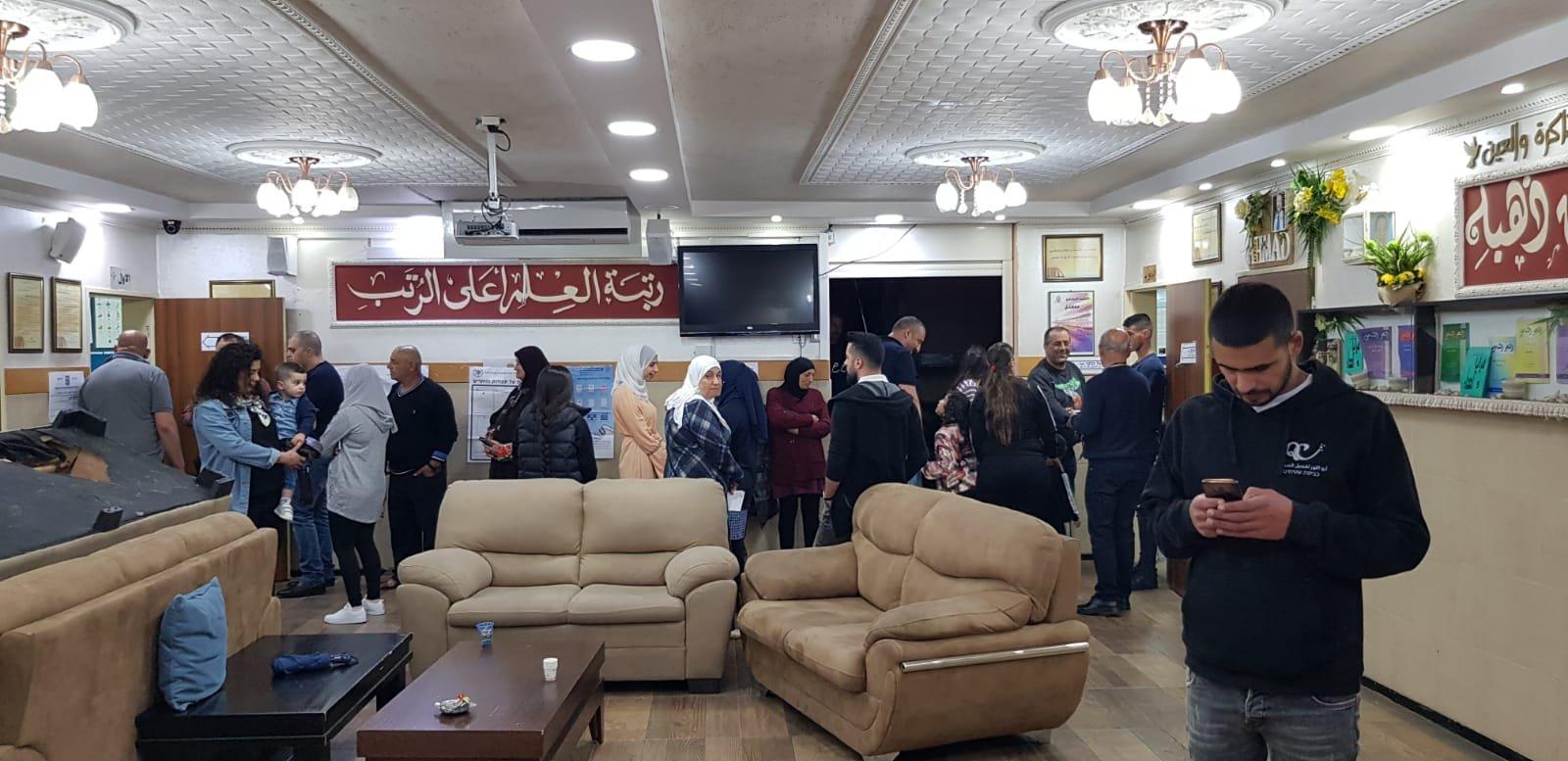 الرامة، مكبرات الصوت في المساجد والكنائس تنادي للتصويت