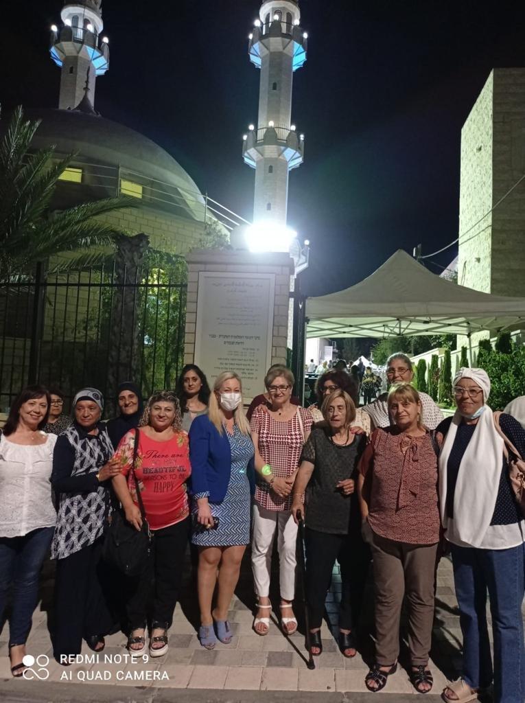فاسرمان تشارك في المؤتمر السنوي للطائفة الإسلامية الأحمدية-1