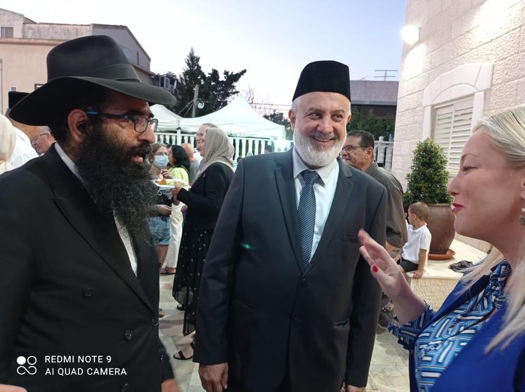 فاسرمان تشارك في المؤتمر السنوي للطائفة الإسلامية الأحمدية-2