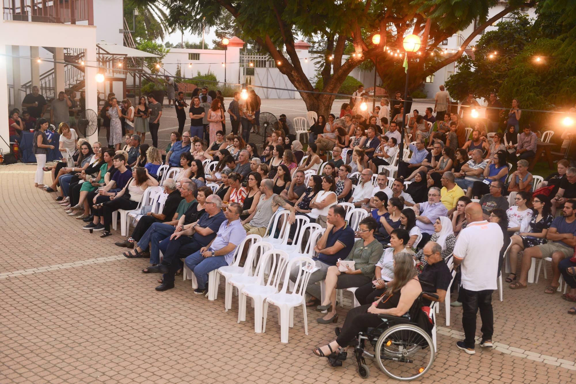 معارض نهائيّة متميّزة للخرّيجات العربيّات في حفل تخرّج طلاب كليّة الفنون