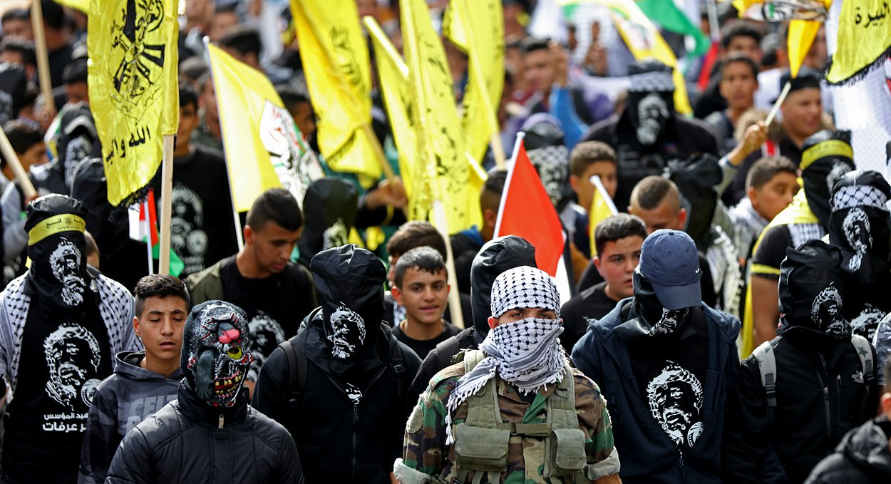إحياء الذكرى الـ13 لاستشهاد ياسر عرفات بفعاليات ومسيرات في الضفة-1