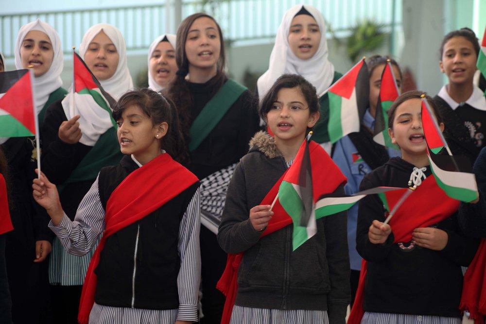 إحياء الذكرى الـ13 لاستشهاد ياسر عرفات بفعاليات ومسيرات في الضفة-4