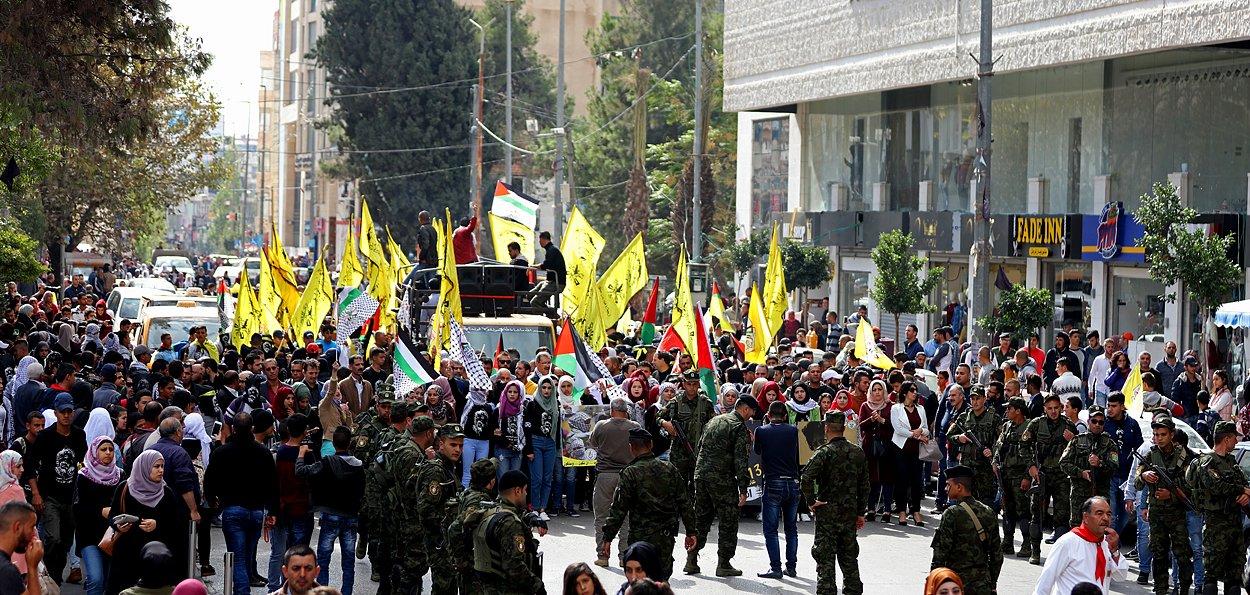 إحياء الذكرى الـ13 لاستشهاد ياسر عرفات بفعاليات ومسيرات في الضفة-5