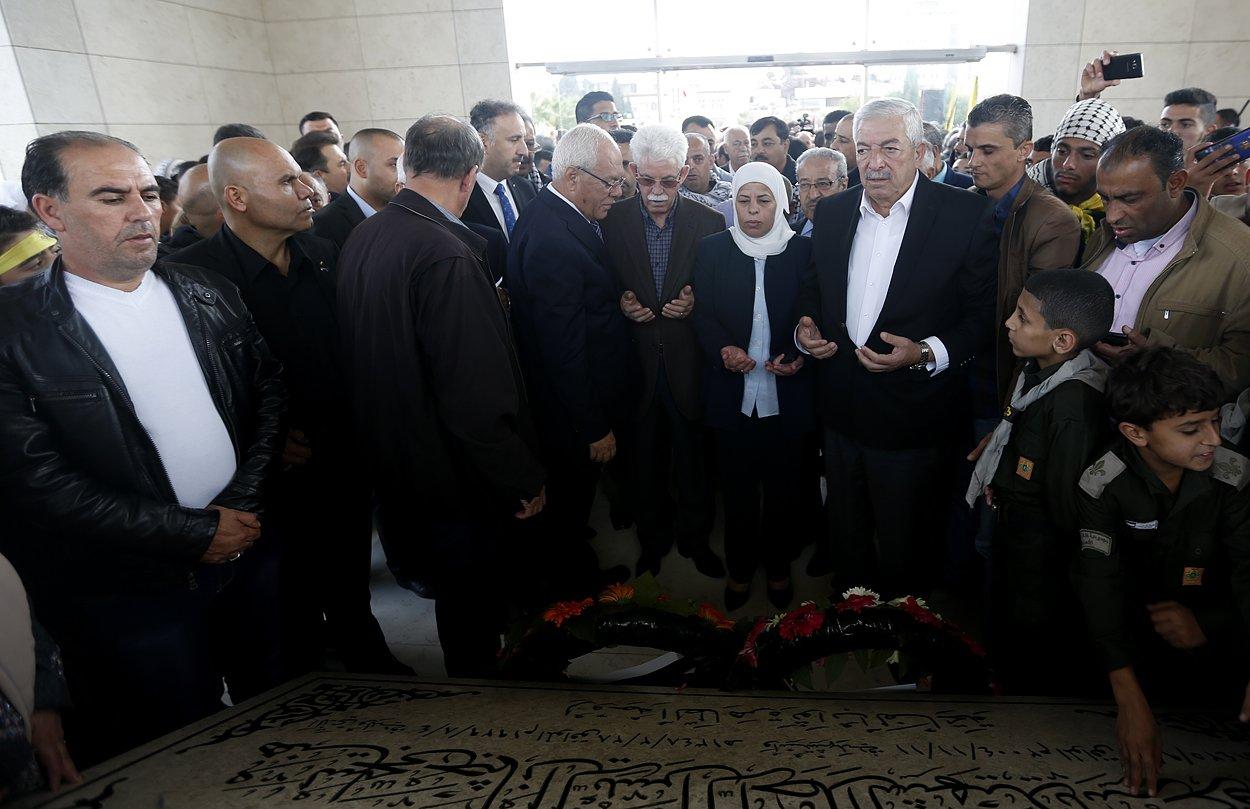 إحياء الذكرى الـ13 لاستشهاد ياسر عرفات بفعاليات ومسيرات في الضفة-6
