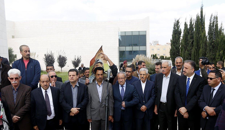 إحياء الذكرى الـ13 لاستشهاد ياسر عرفات بفعاليات ومسيرات في الضفة-23