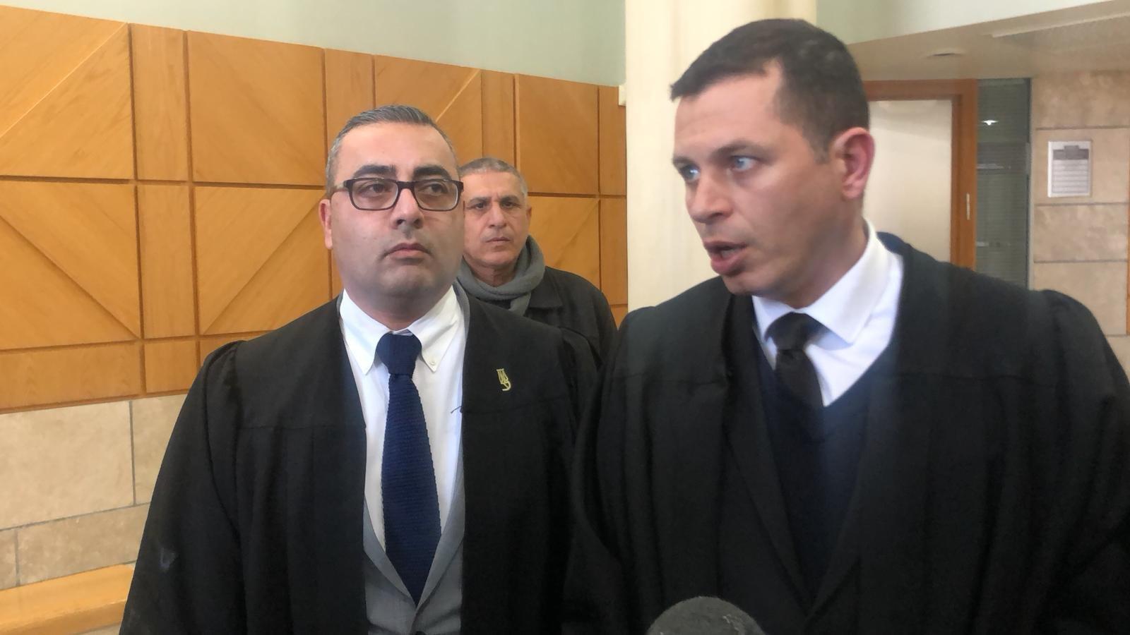 طاقم الدفاع عن المتهم بقتل يارا أيّوب: النيابة والشرطة تحاولان اخفاء أجزاء من لائحة الإتهام