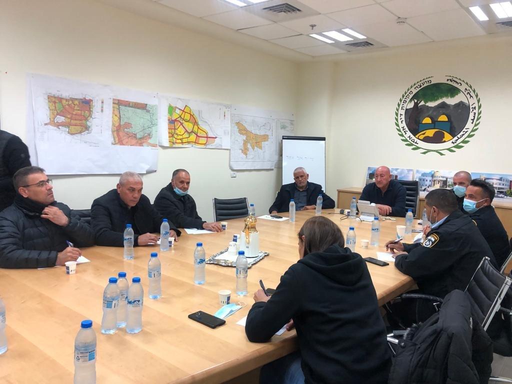 جلسة طارئة في مجلس دير الأسد وإعلان الإضراب غدًا-1