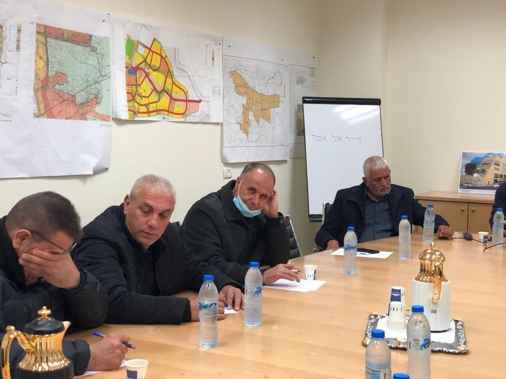 جلسة طارئة في مجلس دير الأسد وإعلان الإضراب غدًا-4
