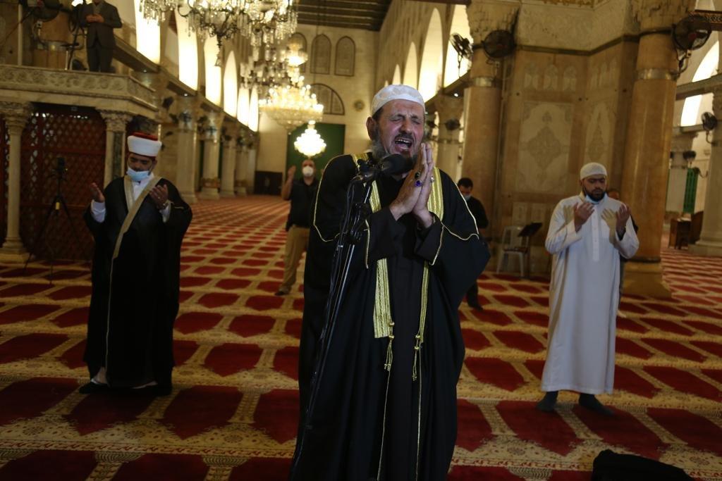 تأثر امام الأقصى في صلاة الوتر بسبب اغلاق المساجد