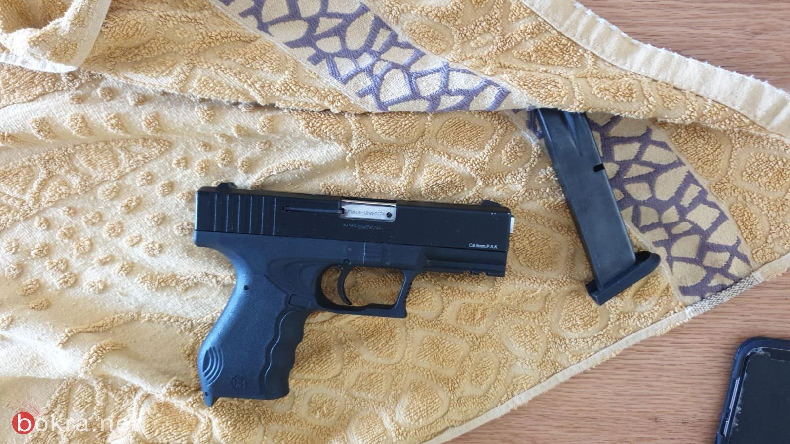 ضبط ثلاثة مسدسات خلال تفتيش في مدينة اللد -0