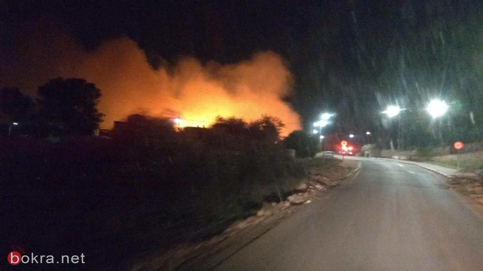 حريق هائل في الأحراش المجاورة للدحي واخلاء منازل-0