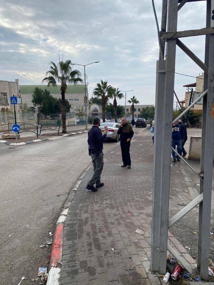 اكسال: العثور على قنبلة بجانب المجلس المحلي