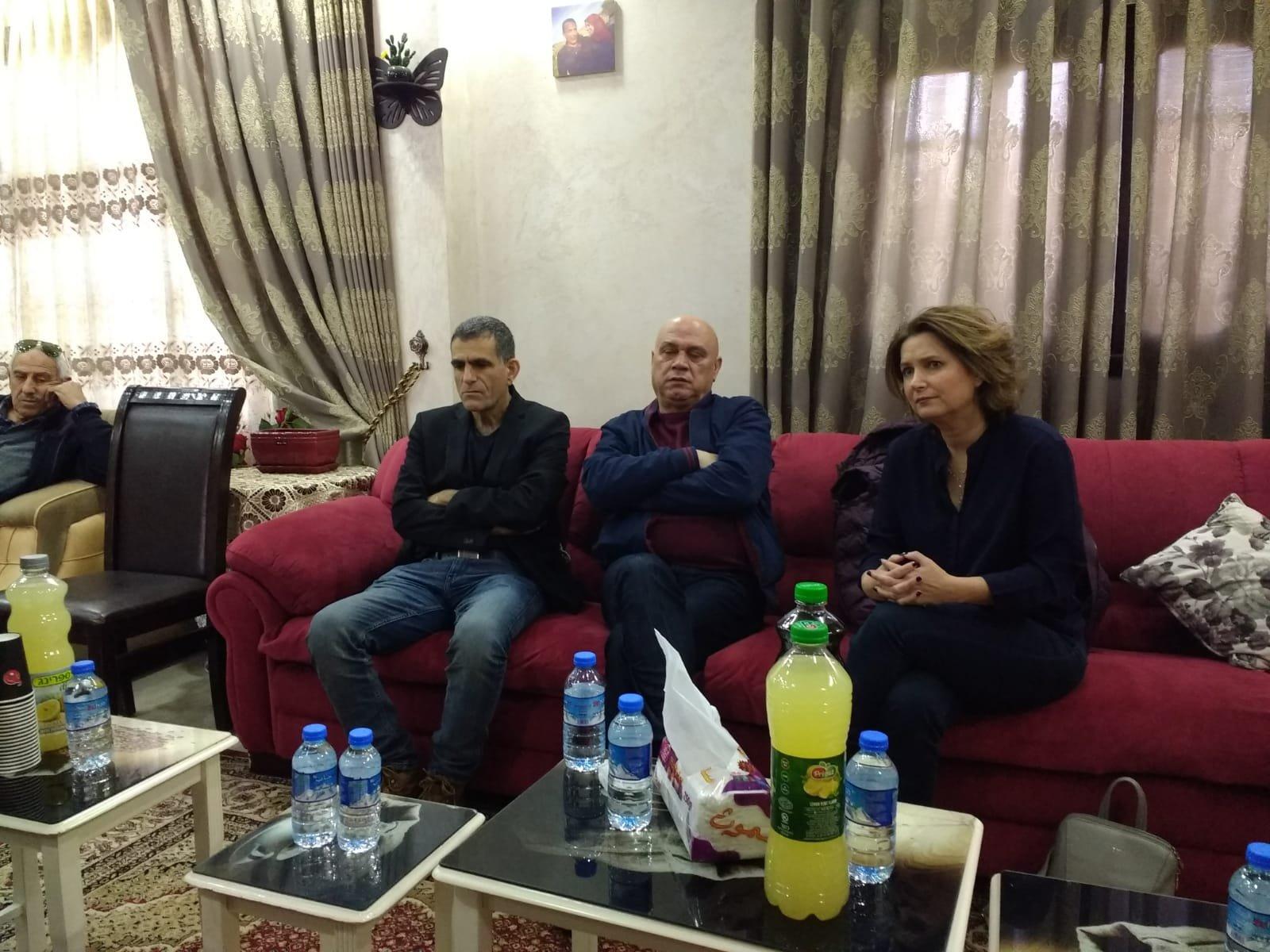 النائب عيساوي فريج لعائلة المرحومة عائشة رابي: يجب انزال اشد العقوبة على المجرمين القتلة