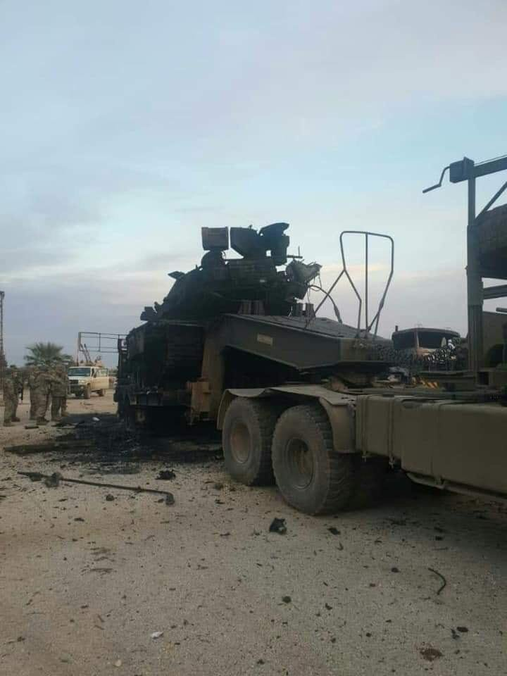 بالصور.. رتل عسكري تركي مدمر جراء قصف الجيش السوري في إدلب