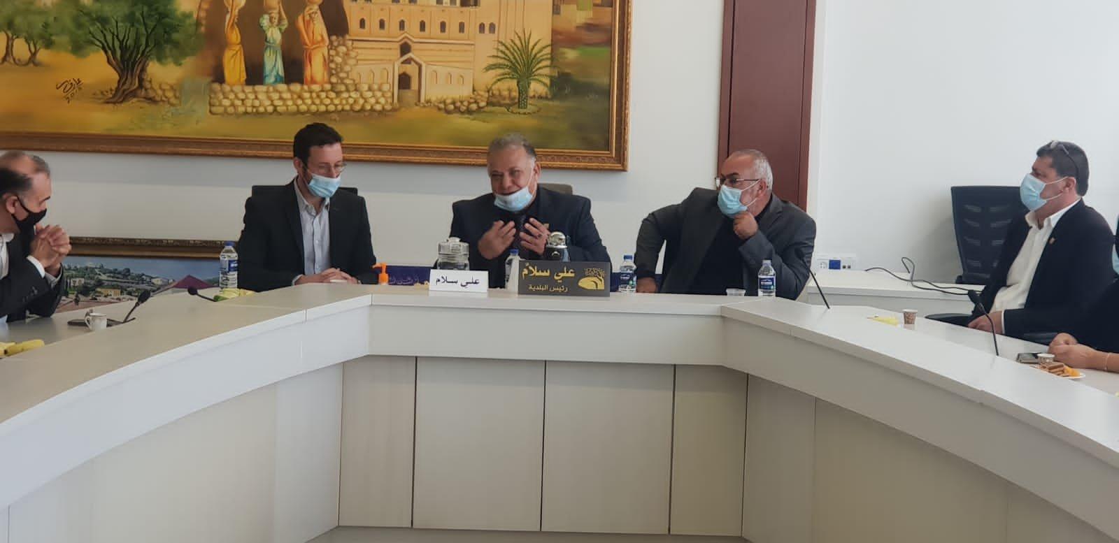 وزير العمل والرفاه الاجتماعي يزور بلدية الناصرة-0