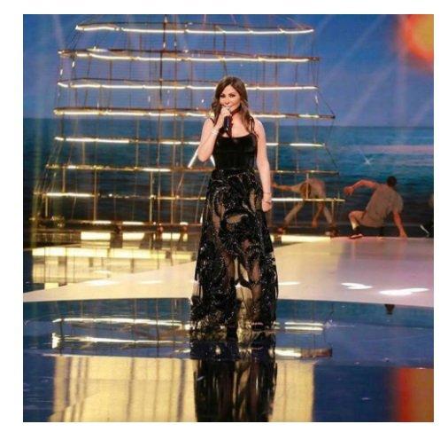 شاهدي الفستان المشترك بين إليسا وياسمين عبد العزيز-0