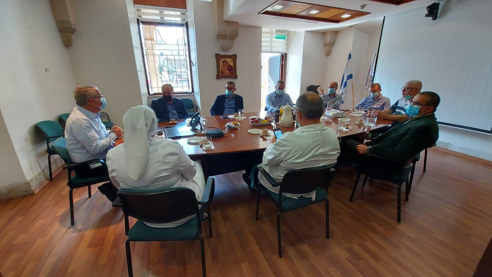 """قيادة حزب """"معا لعهد جديد"""" تزور المستشفى الفرنسي في الناصرة-0"""