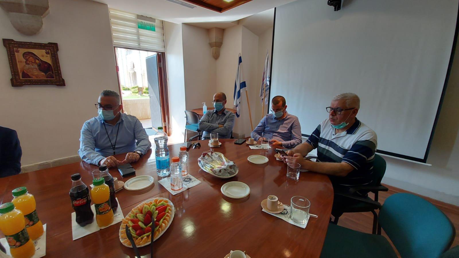 """قيادة حزب """"معا لعهد جديد"""" تزور المستشفى الفرنسي في الناصرة-2"""