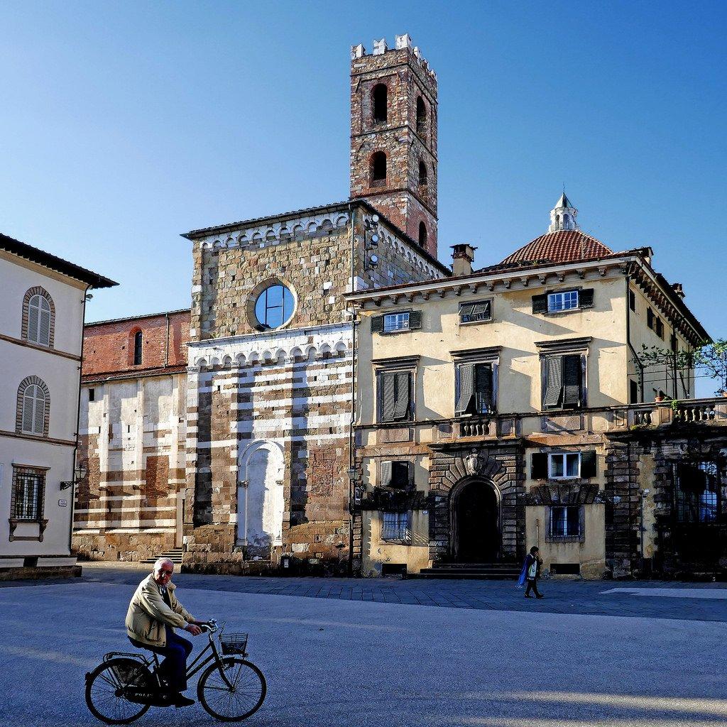 السفر إلى إيطاليا: لوكا حيث تحلو السياحة