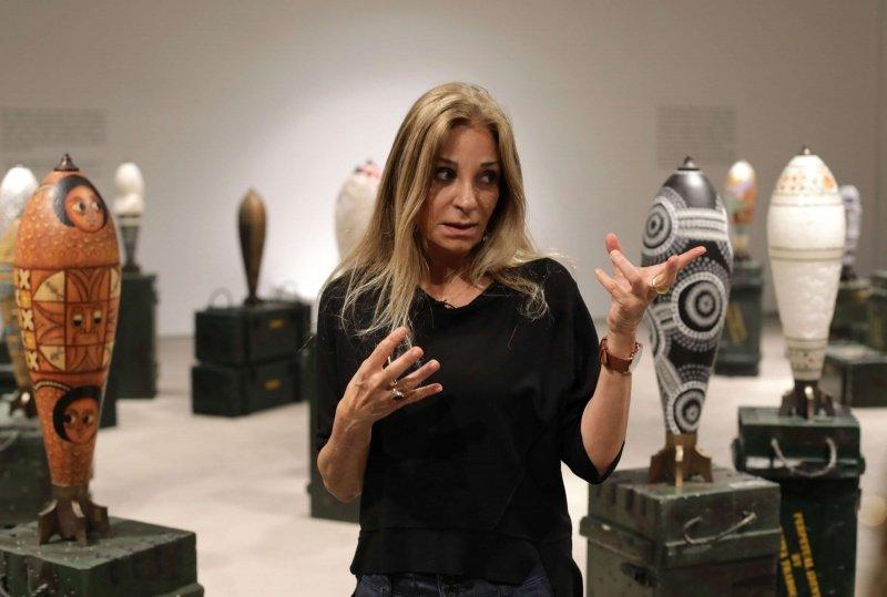 فنانة لبنانية تحوِّل القذائف لمنحوتات فنية تمثل هويات 46 بلداً