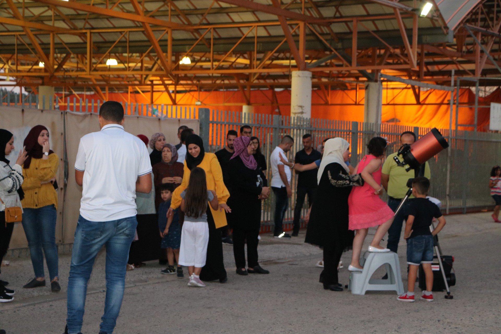 ام الفحم: حضور واسع في الأمسية الفلكية لـاستروبيا