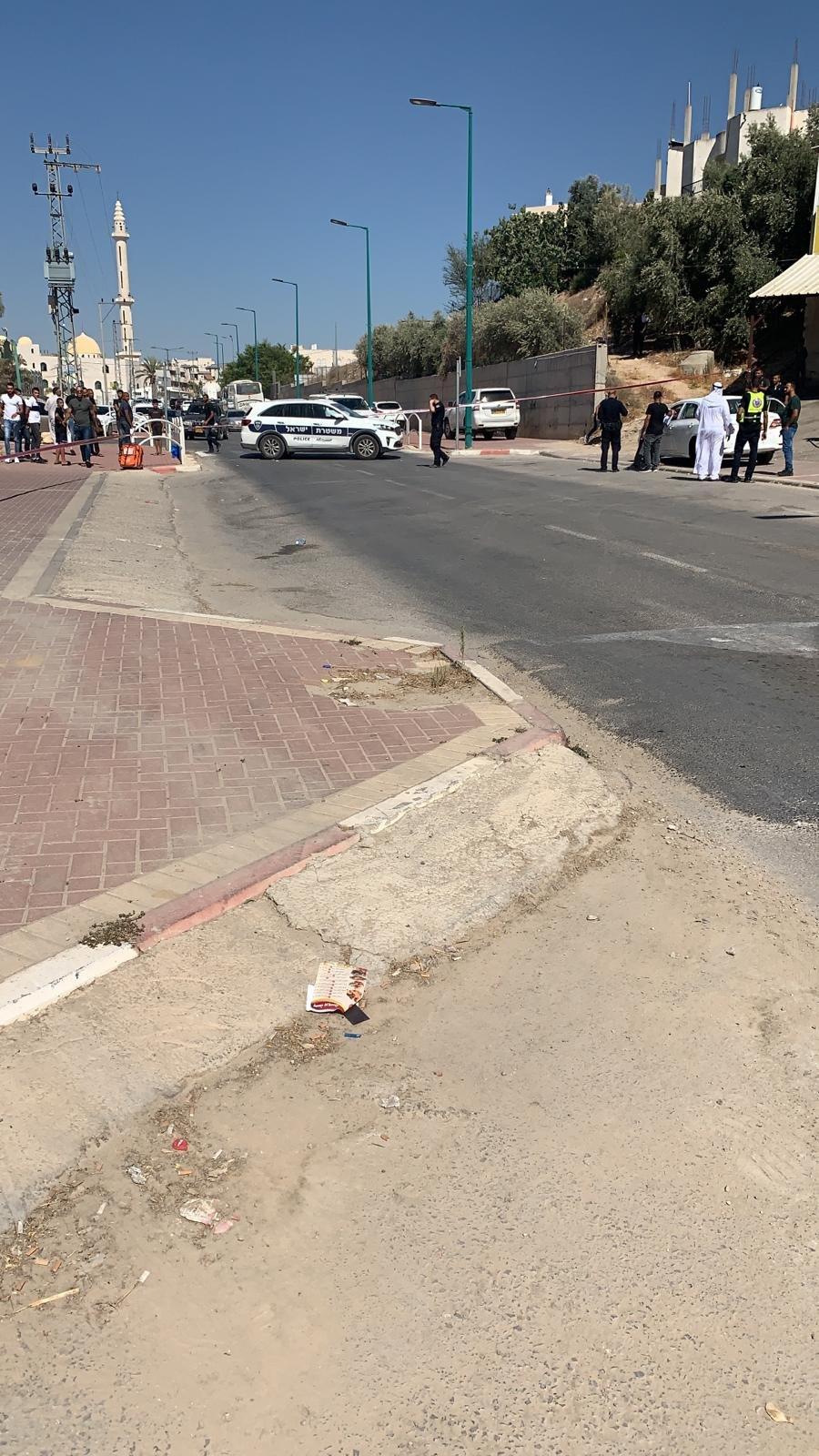 رهط: اصابة شاب بعد تعرضه لاطلاق نار