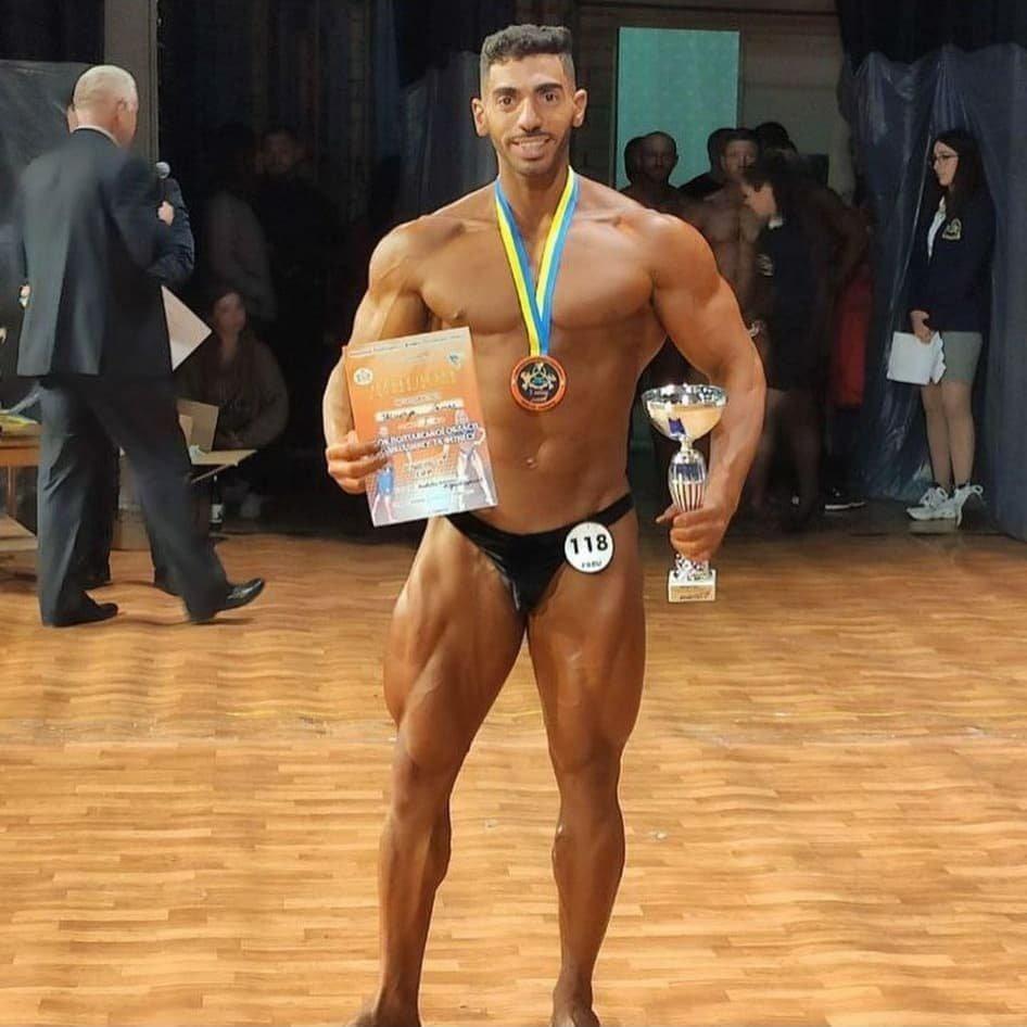 فوز غطاس شحادة بالجائزة الاولى في مسابقة كمال الاجسام-3